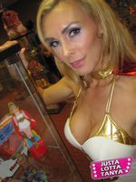 Power-con, Recap, Pictures, Images, Pics, Tanya Tate™, She-ra. He-man, Princess of Power, Masters of the Universe. MOTU, POP, Cosplay, Convention, Expo, Filmation, Mattel, Action Figures, toys, Hot, Hottie, Blond, sexy, costume, pretty, beautiful