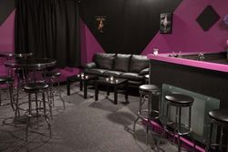 Jordan Studios, Kenny DeMartines, Location, Set Design