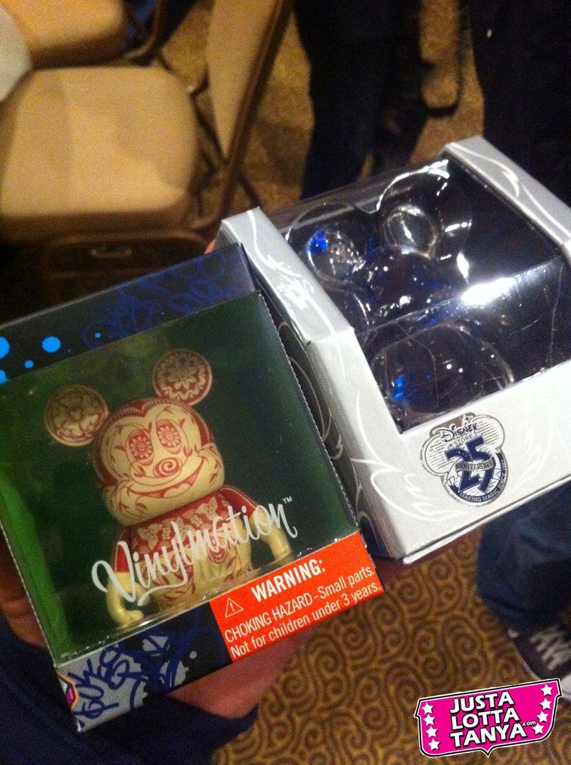 Vinylmation Trading Night Tanya Tate Disneyland Vinyl 06