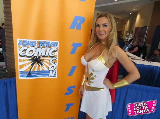 collectibles, comic con, cosplay, entertainment blog, Fangirl, geek, Hollywood, JustaLottaTanya.com, lbcc, long beach comic con, nerd, news, Sexy Geek Girl, Tanya Tate™, video, video reviews