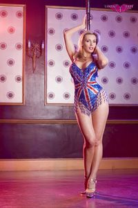 Tanya_Tate_UK_Flag_Pole_Dancing_10