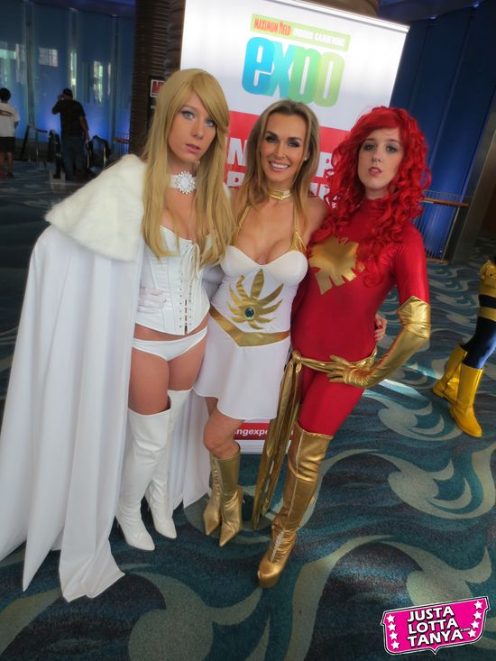 Tanya Tate, @TanyaTate, JLT, JustLottaTanya, She-ra, Long Beach Comic Con, LBCC, Sexy Cosplay, Fangirl, Sexy Geek Girl, Princess of Power, Appearance, Girl, Woman, Cosplay, Fun, Image, Picture, Superhero, Emma Frost, Dark Phoenix, X-men, Marvel, Marvel Comics