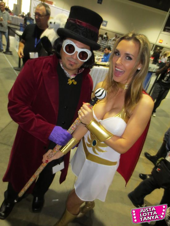 Tanya Tate, @TanyaTate, JLT, JustLottaTanya, She-ra, Long Beach Comic Con, LBCC, Sexy Cosplay, Fangirl, Sexy Geek Girl, Princess of Power, Appearance, Girl, Woman, Cosplay, Fun, Image, Picture, Superhero, Willy Wonka, Golden Ticket