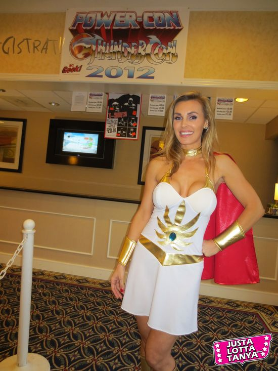 Tanya Tate, JustaLottaTanya.com, @TanyaTate, Power-Con, Fangirl, Convention, Expo, He-Man, She-Ra, Masters of the Universe, September 22nd, September 23rd, Torrance Marriott, Cosplay, Princess Adora, Princess of Power, MOTU, POP