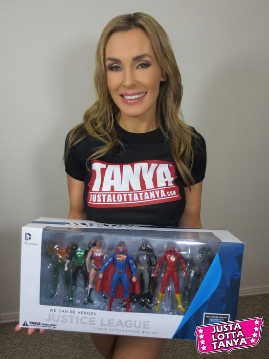 Superman, Batman, Wonder Woman, The Flash, Green Lantern, Cyborg, Aquaman, Justice League, We Can be Heroes, Action Figures, Box Set, Collectible, Entertainment, Fangirl, Toy, Picture, Tanya Tate, Justa Lotta Tanya, JLT, @TanyaTate