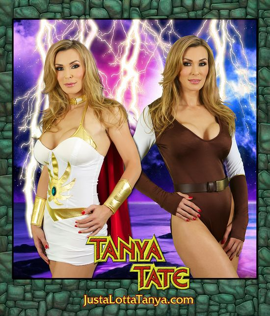 Tanya Tate, @TanyaTate, Powercon, Cosplay. MOTU, She-ra, Sexy, Adora, POP, Princess of Power, Geek, Fandom, Model, Actress, Hero, Masters of the Universe, He-man, 2013, 8x10, Autograph, Promotional, Signing, Convention