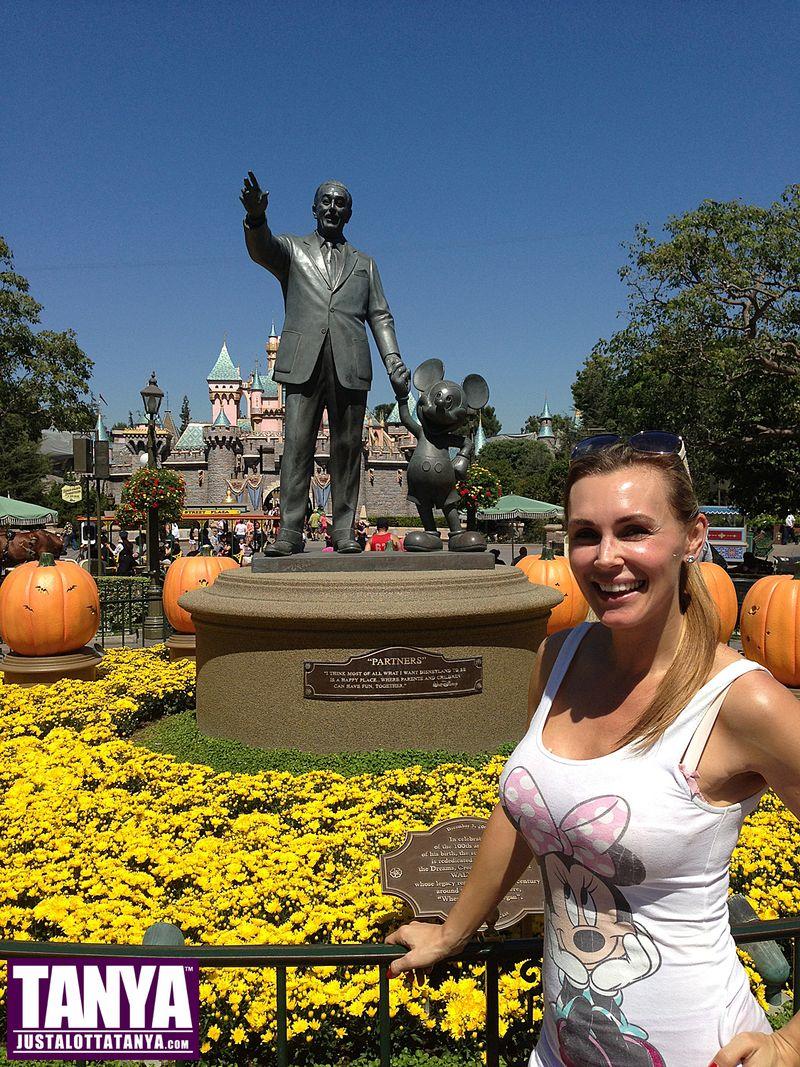 Tanya Tate Disneyland Disney Vacation Halloween 2013 007