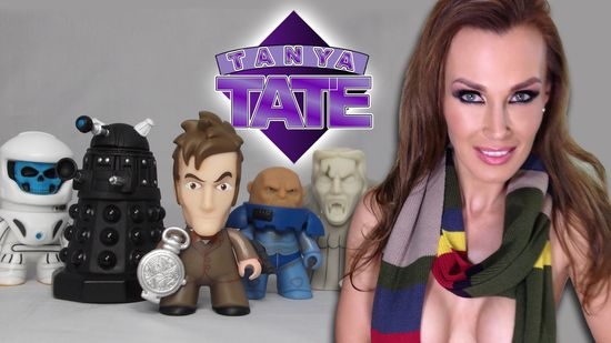 Tanya Tate, @TanyaTate, Doctor Who, Dr Who, Vinyl Figure, Blind Box, Titans, Titan Merchandise, Collectible, Video, Review, Unboxing, 10th Doctor, sexy geek girl, Fandom, Nerd, Geek, Dalek Sec, Vashta Nerada, Weeping Angel, Sontaran