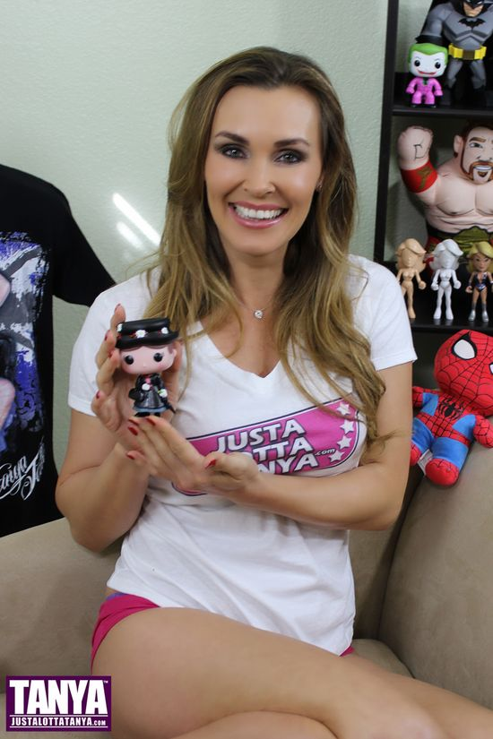 Tanya Tate, @TanyaTate, Disney, Pop, Fukno, Vinyl Figure, Mary Poppins, Toy, Collectible, Action Figure, Entertainment, Review, Video, Series 5, Julie Andrews, Musical