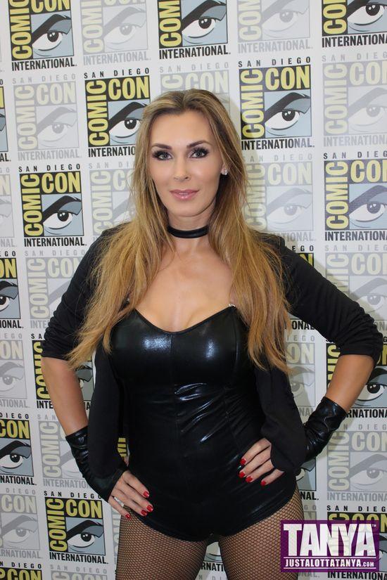 Tanya Tate San Diego Comic Con 2014 Black Canary Cosplay SDCC 002