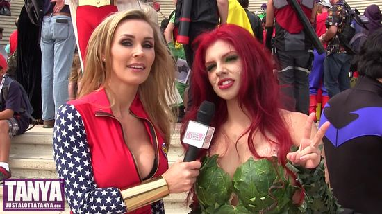 Tanya Tate, @TanyaTate, Batgirl Raquel, Poison Ivy, DC Comics, San Diego Comic Con, Cosplay, Geek Girl, SDCC, Interview, Wonder Woman, Cathy Lee Crosby, 2013, Video