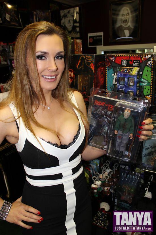 Tanya Tate Delirium Magazine Full Moon Horror Erotic House Dark Delicacies 003