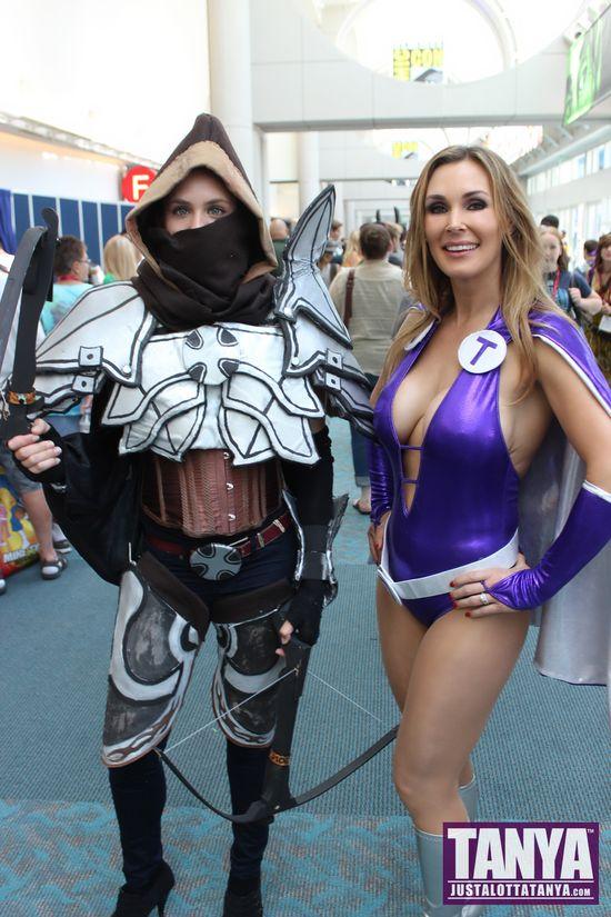 Tanya Tate San Diego Comic Con 2014 Lady Titan Cosplay SDCC 034