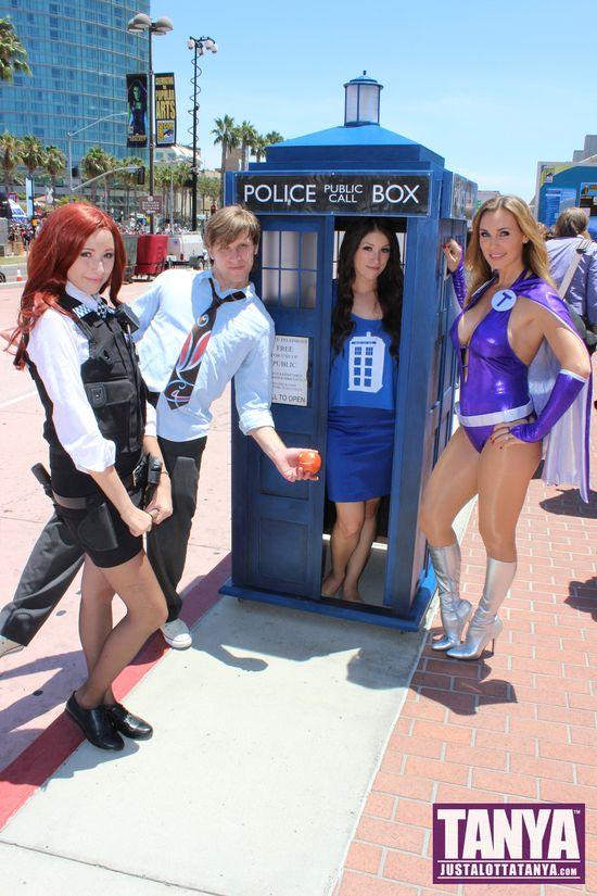 Tanya Tate San Diego Comic Con 2014 Lady Titan Cosplay SDCC Tardis