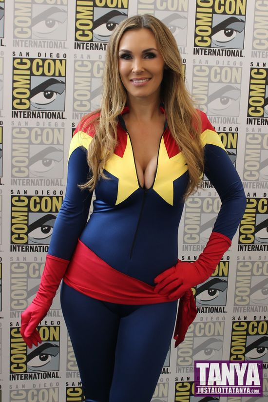 Tanya Tate San Diego Comic Con 2014 Captain Marvel Cosplay SDCC 010