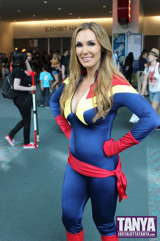 Tanya Tate San Diego Comic Con 2014 Captain Marvel Cosplay SDCC 013