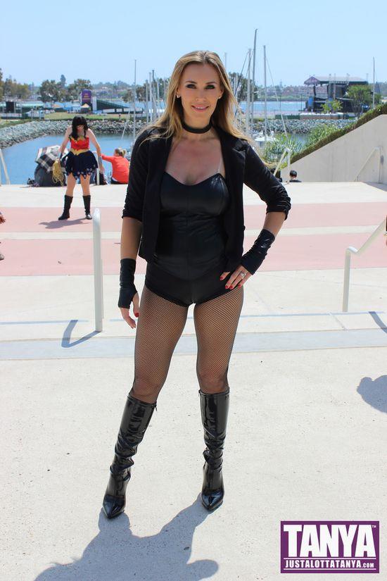 Tanya Tate San Diego Comic Con 2014 Black Canary Cosplay SDCC 013