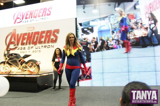 Tanya Tate San Diego Comic Con 2014 Captain Marvel Cosplay SDCC 004