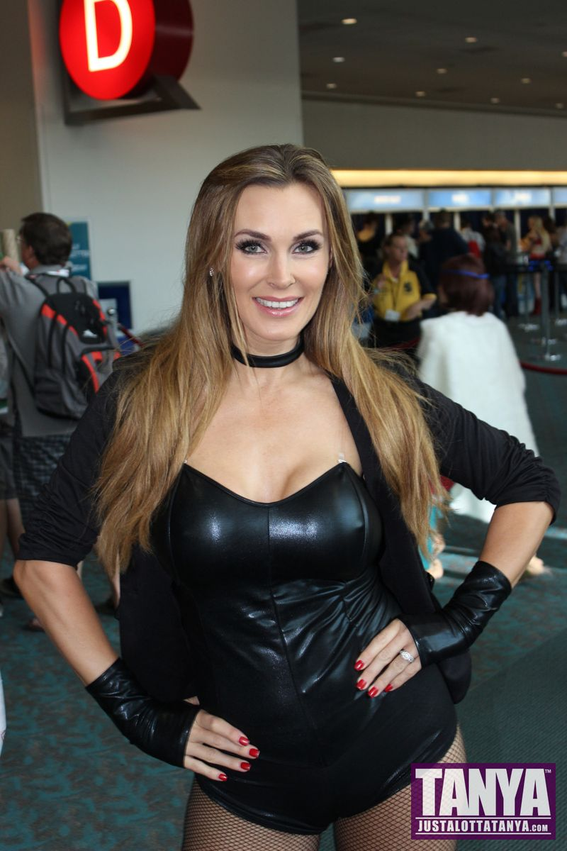 Tanya Tate San Diego Comic Con 2014 Black Canary Cosplay SDCC 001