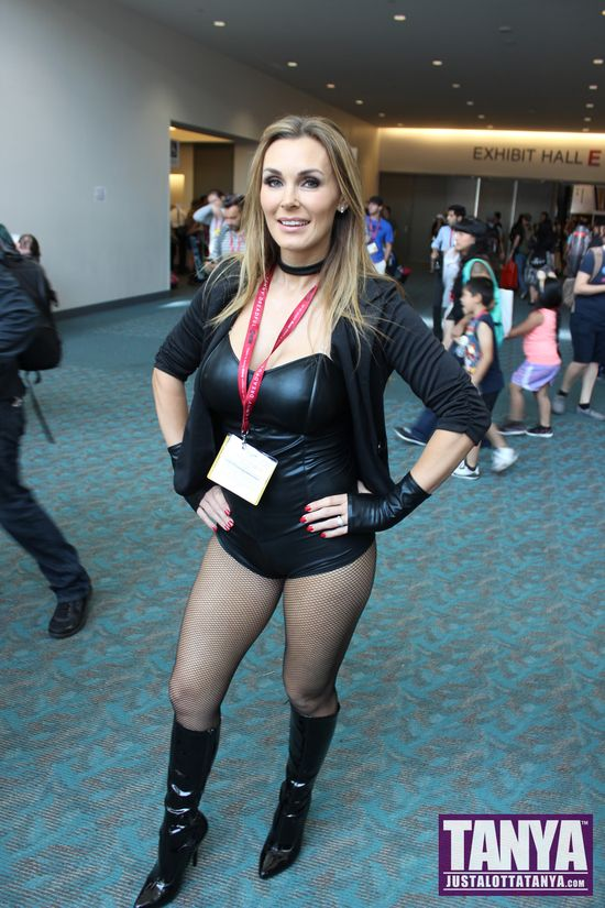 Tanya Tate San Diego Comic Con 2014 Black Canary Cosplay SDCC 000