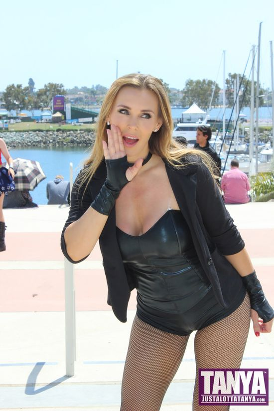 Tanya Tate San Diego Comic Con 2014 Black Canary Cosplay SDCC 012