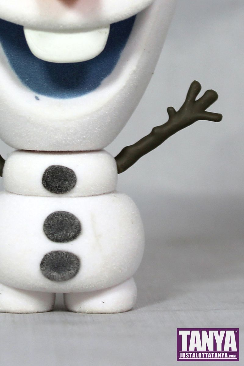 FUNKO POP Flocked Olaf Frozen Disney Review Exclusive Toy Tokyo NYCC 001