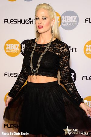 Holly-Heart-Xbiz-Awards-2015-003