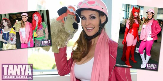 Tanya-Tate-Comikaze-2015-Day1-Cosplay-JLT