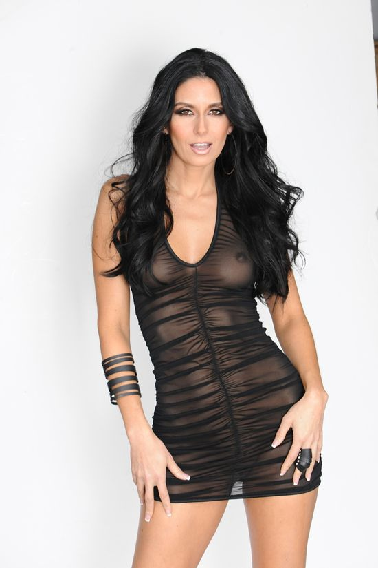 Nikki_Daniels_Black_Dress_07