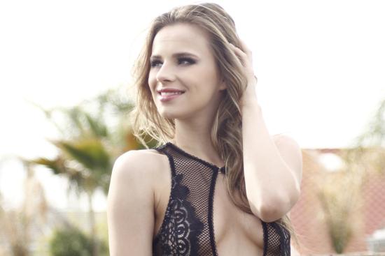 Jillian-Janson-PR-WEBSIZE-000