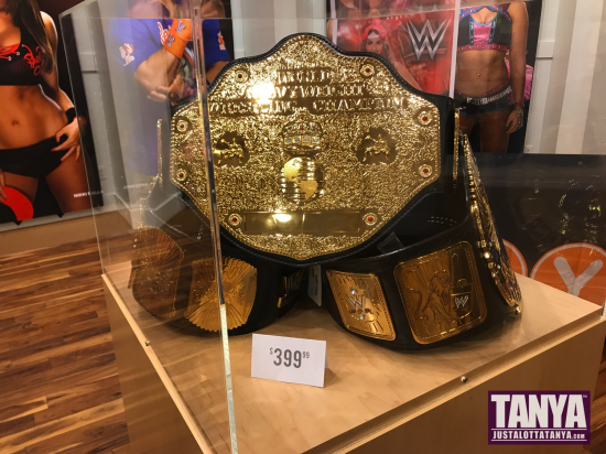 2017-FYE-WWE-PopUpShop-Exclusives-TheNewday-FinnBalor-SDCC-Funko-Collectibles-TanyaTate-7