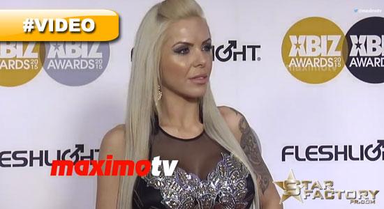Nina-Elle-Xbiz-Awards-Red-Carpet-2015