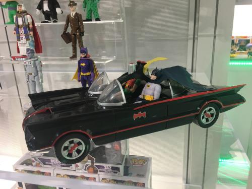 Funko-Batman-66-ActionFigure-Batgirl-Watermarked_large