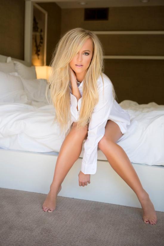 20180414-DanielleMoinet-SummerRae-TheWrestlingGuyStore-WWE-JLT-01