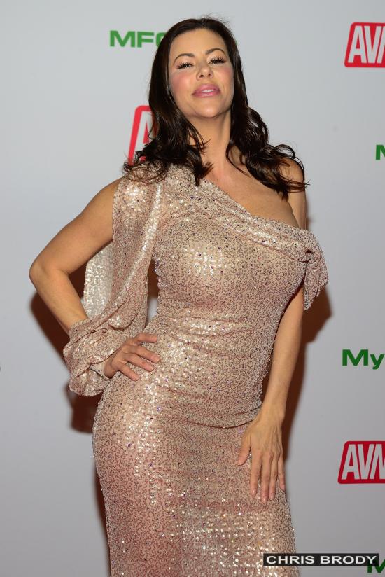 AlexisFawx-AVNAwards-2020-RedCarpet-ChrisBrody-WEBSIZE-03